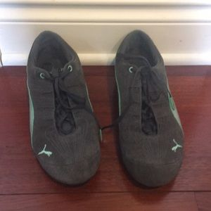 Gray Teal Silver suede Puma sneakers. size 8.5